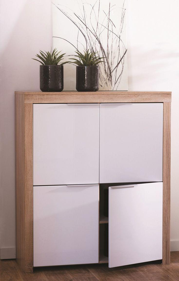 De Naxis is een moderne barkast uitgevoerd in de kleur Rough Oak in combinatie met hoogglans witte mdf deuren.