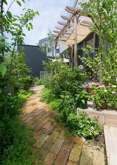トラディショナル 庭&ランドスケープ by D's Garden