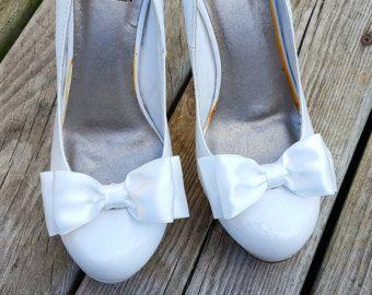 Bruids schoen Clips, bruiloft schoen Clips, satijn schoen Clips, bruids accessoires, bruiloft, Schoenpoetsen Clips alleen veel kleuren beschikbaar