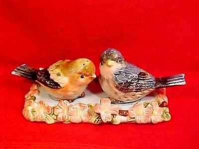 Fabulous Vintage Majolica Birds and Flowers 3 Piece Salt Pepper Shakers FM796   eBay