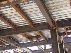 GENERALIDADES   Es una lámina de alma de acero acanalada galvanizada con nervaduras transversales para usar como losa de entrepiso o techo...