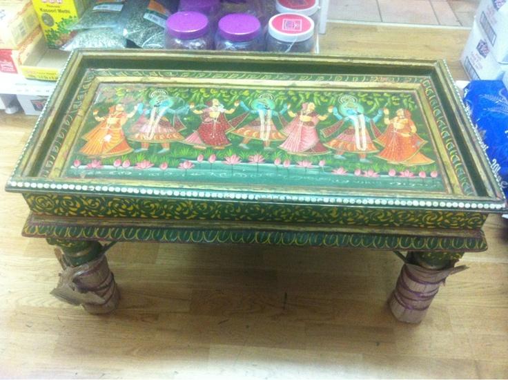 antik tisch mit indische g tter motiv antiquit ten pinterest indischen g ttern. Black Bedroom Furniture Sets. Home Design Ideas