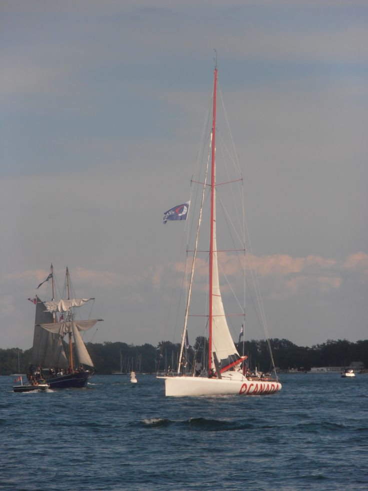 unknown sailboat  with the Playfair on the left