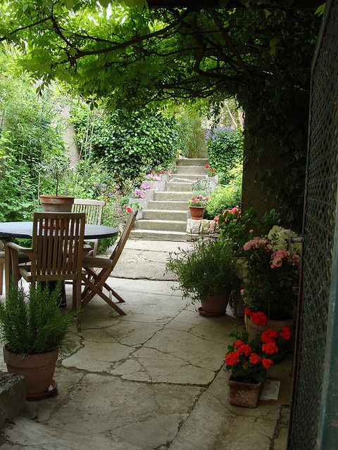 Courtyard Garden, Provence France  Maki Image via: http://pinterest.com/source/flickr.com