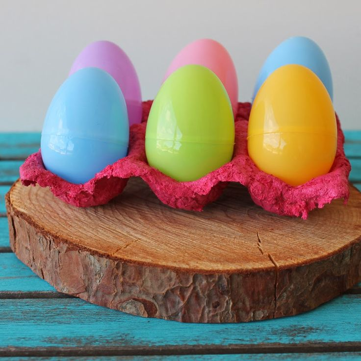 17 images about doodlecraft crafts and diy on pinterest for Egg tray craft