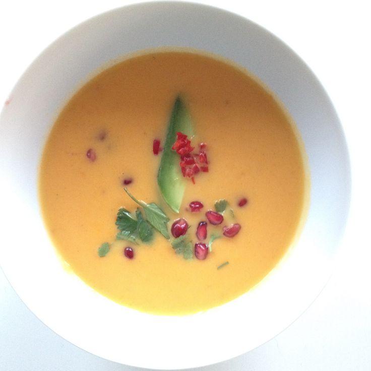 Heb je zin in een frisse zoete soep met een zomerse uitstraling? Dan is dit het recept! Je kunt de soep zowel warm als koud eten. Zomerse wortelsoep.