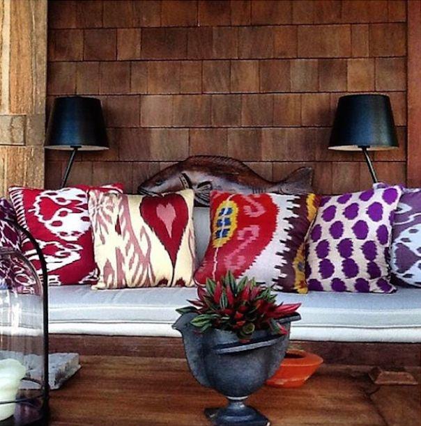 Madeline's Ikat Pillows via Noreadevitto.