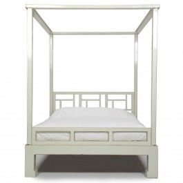 White+Lacquer+Four+Poster+Bed.+Kingsize+£2,795.00