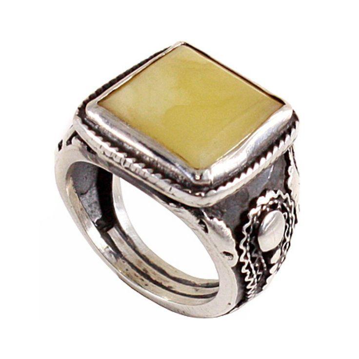 Kare Doğal Kehribar Taşlı El Yapımı Gümüş Yüzük Fiyat : 275,00 TL  SİPARİŞ için www.besengumus.com www.besensilver.com  İLETİŞİM için Whatsapp : 0 544 6418977 Mağaza : 0 262 3310170  Maden : 925 Ayar Gümüş Taş : Doğal Kehribar Kaplama : Oksit Kaş Boyutu : 20 mm.  Besen Gümüş  #besen #gümüş #takı #aksesuar #kare #doğal #kehribar #taşlı #el #yapımı #elyapımı #yüzük #izmit #kocaeli #istanbul #besengumus #tasarım #moda #erkek
