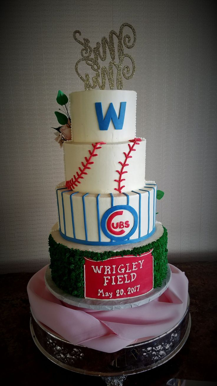 #cake #cakes #wedding #weddings #weddingcake #weddingcakes #cubs #cubsfan #wrigleyfield #baseball #groomscake