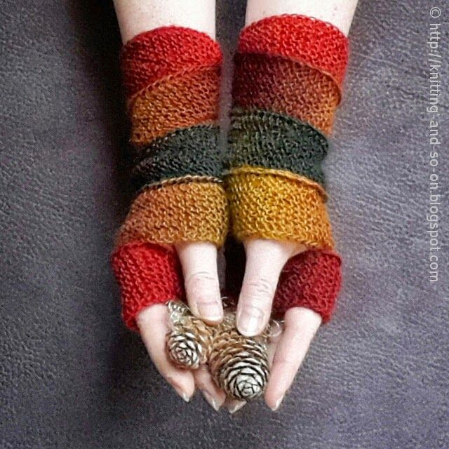 Knitting and so on: Helix Mitts - free pattern