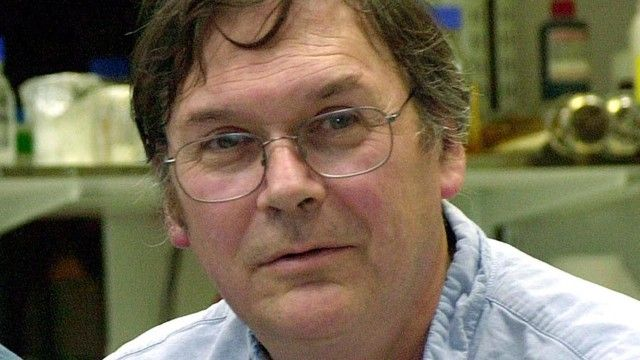 Tim Hunt apologises for comments on his 'trouble' with female scientists | Science | The Guardian.