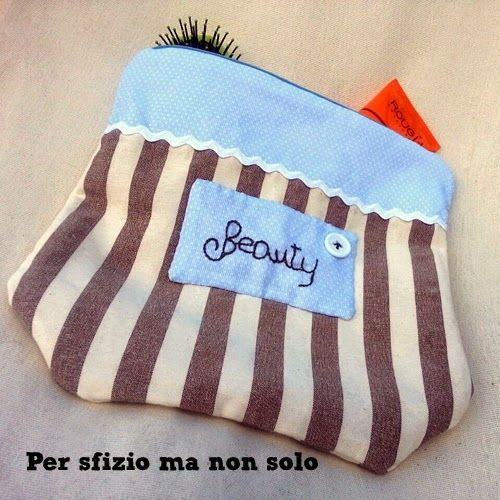 17 best images about my crafts on pinterest runners - Trousse porta trucchi ...