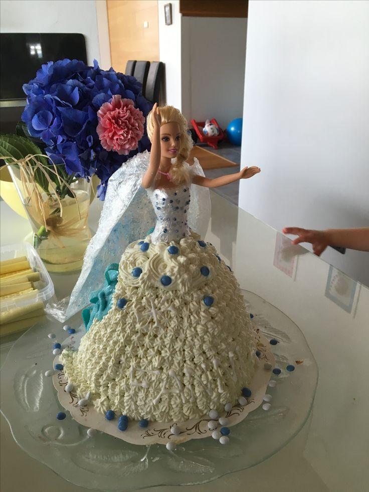 Frozen inspired barbiecake