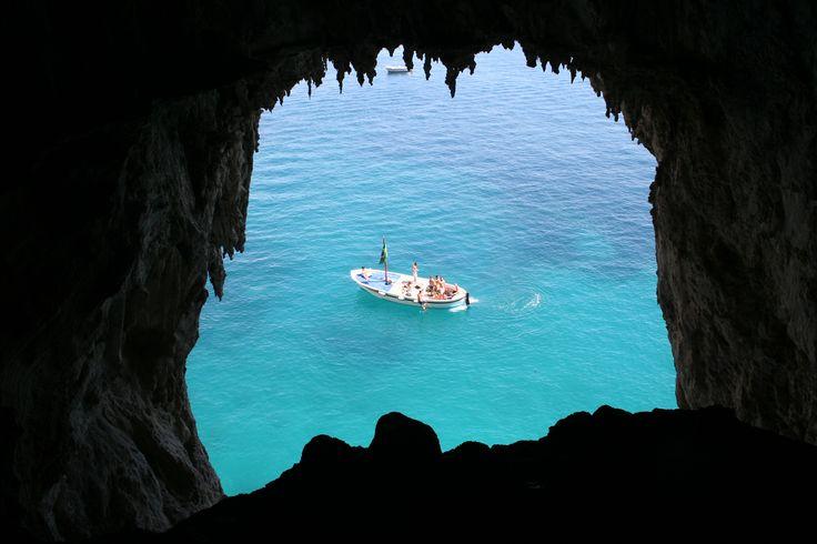 Gozzo Mergellina from the stalactites of the White grotto