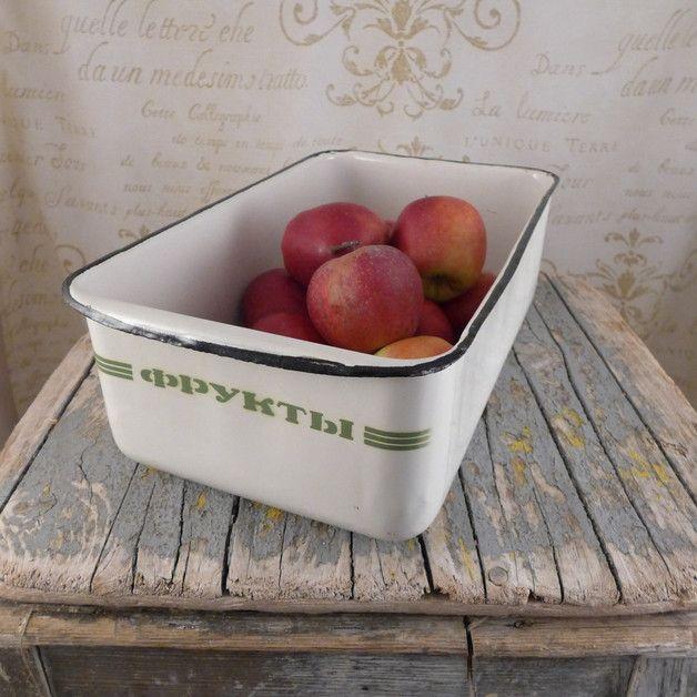 Biały emaliowany pojemnik, prostokątny, na owoce - atelier-Brocante - Miski