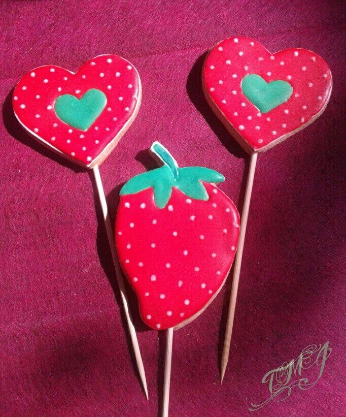 Mézeskalács nyalóka gyereknapra. Gingerbread lollipops for ChildrensDay by TMJcreative
