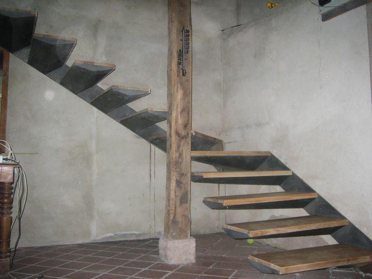 Escalera en chapa con pelda os de madera escaleras y escalones pinterest pelda o pelda os - Escaleras con peldanos de madera ...