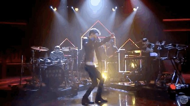 Troye Sivan Just Performed On Jimmy Fallon And It Was Perfect