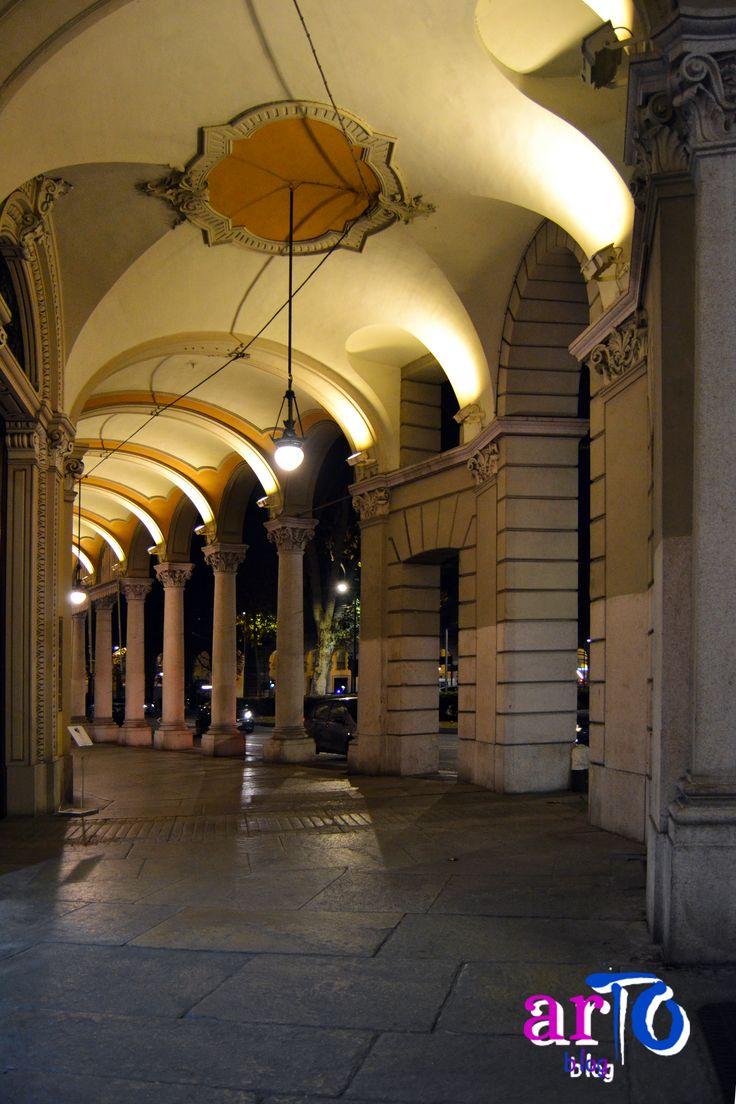 Portici di Torino (foto di ©artoblog) #torino #night #italy