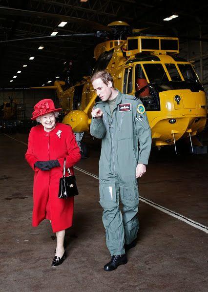Natalya PerПрилетит вдруг волшебник в… желтом вертолете) Королева Елизавета II сделала любимому внуку – принцу Уильяму на день рождения поистине королевский подарок – вертолет Agusta A109S за 13,6 миллиона долларов. egoedova – Google+
