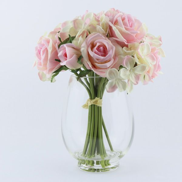 Roses in vase with artificial water   #roses #vase #pink #giftsafterlife #artificialwater #artificialflowers #flowers #artificical