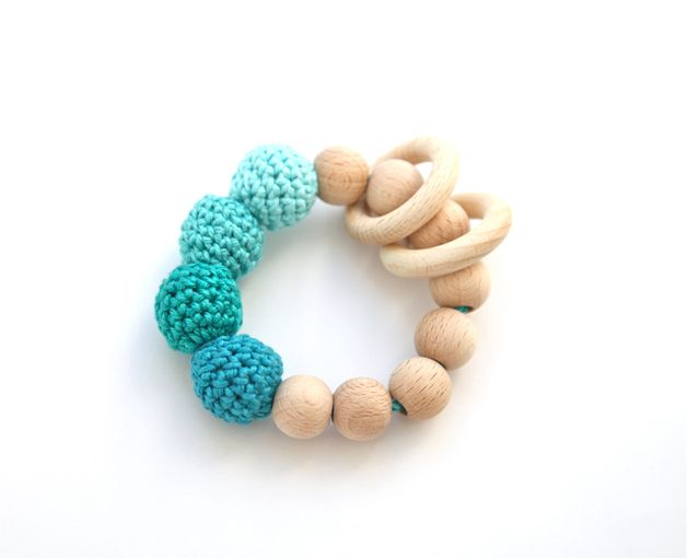 Beißring aus Holz // teething ring, wood via DaWanda