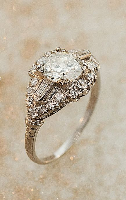 Vintage diamond ring. Oh wow, I might just change my mind about traditional settings now.