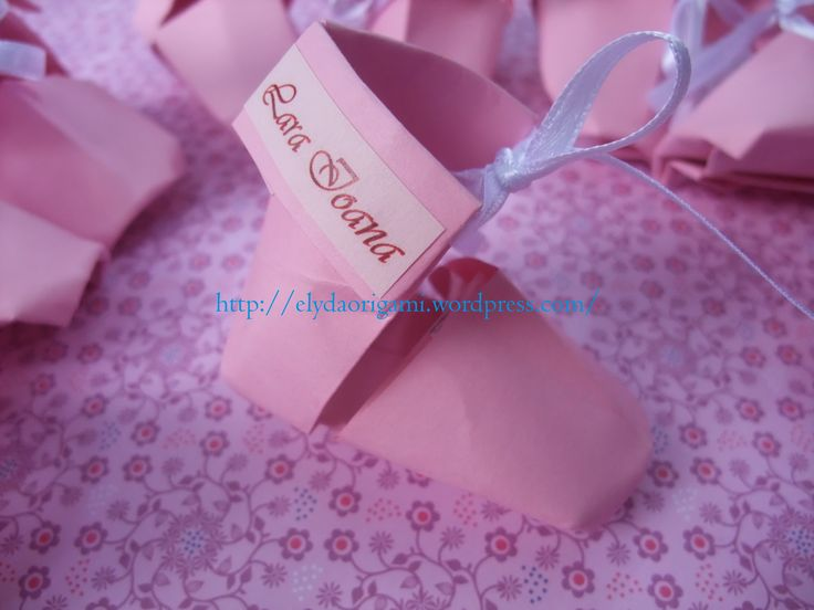 origami baby shoes