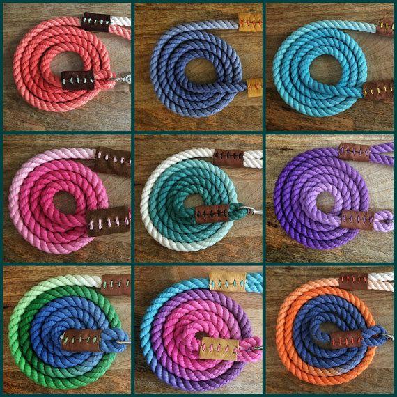 Mein Leinen bestehen aus 100 % Baumwolle Seil. Sie sind handgefertigt und nach Ihren Wünschen eingefärbt.  Diese Leinen sind ca. 6 Fuß in der Länge. Und Sie sind in der Lage, den Durchmesser anhand der Rasse der Hund und ihr Gewicht zu wählen.  Sie können Ihre Farbe. Möchten Sie mehr als eine Farbe haben auf Ihre Leine Bitte wählen Sie die Option multicolor und angeben, welche Farbe Sie möchten (wenn Sie, dass mehr als drei Farben möchten, bitte bestellen meine Regenbogen-Leine und geben Sie…