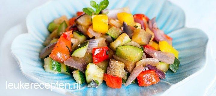 lekker recept voor ratatouille met aubergine, courgette, paprika en verse kruiden