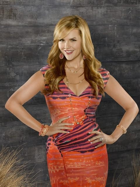 Sara Rue rocks long blonde waves! Watch Sara in IMPASTOR. Discover full episodes at http://www.tvland.com/shows/impastor.