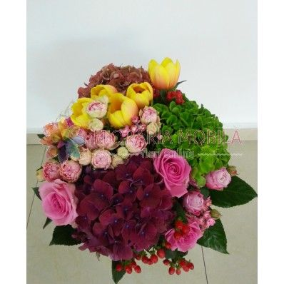 buchet class cu  trandafiri si hortensie