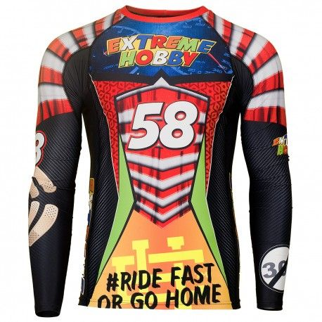 Longsleeve rashguard SPEED. Color: black. Excellent quality rashguard HOBBY EXTREME is ideal for hard training people who appreciate the highest class of products. Made of high quality material, which, thanks to its flexibility, clings to the body. Sophisticated thermoregulation system by which the body is dry and the muscles warmed up. Sublimated logos (will not scratch).
