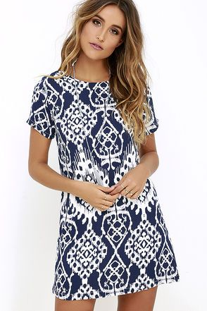 The sweetest shift we ever did see has to be the Lucy Love Charlotte Navy Blue Print Shift Dress! Lightweight woven shift has a navy blue and ivory print covering its short sleeve bodice with bateau neckline and side darting. Three mother-of-pearl button closures at back.