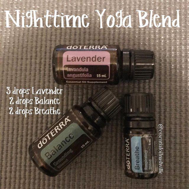 Nighttime yoga blend ✨✨ . . . #essentialoils #essentialoil #doterraessentialoils #doterra #lavender #balance #breathe #diffuser #diffuserblend #diffuserblends #essentialoilblend #yoga #yogi #yogaeverydamnday #yogisofinstagram #ohm #namaste #nashville #yogalover #yogaaddict