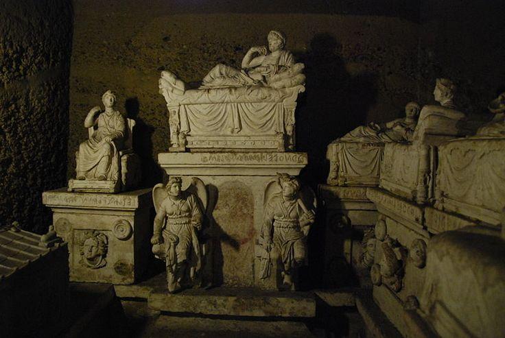 Hipogeo de Volumni  in Perugia,arte etrusco en transicion al romano.