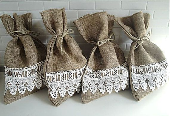 lace and burlap: Favor Bags, Ivory Lace, Burlap Favors Bags, Burlap Lace, Lace Pouch, Burlap Bags, Burlap Gift Bags, Shower Gift, Baby Shower