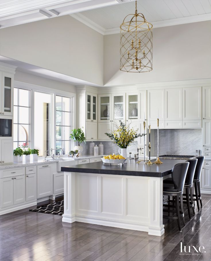 Remodel Kitchen With White Cabinets: 25+ Best Ideas About Traditional White Kitchens On