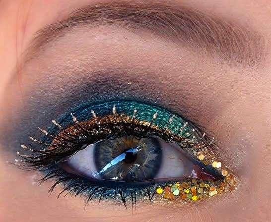 A Little Bling Goes A Long Way: Glitter Eyeliner. Click the pic to see the blog! #glittermakeup