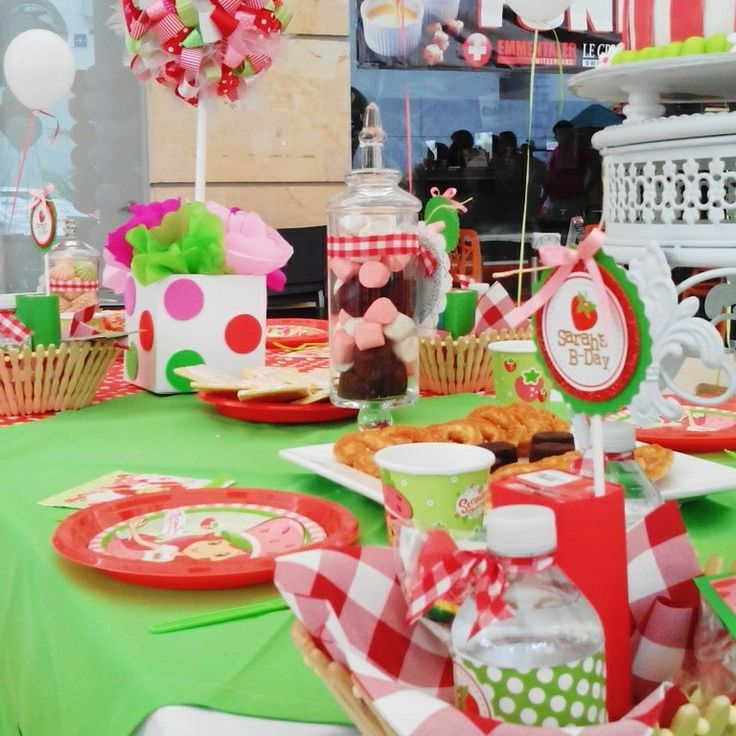 Strawberry Party.. Mesa de Dulces..