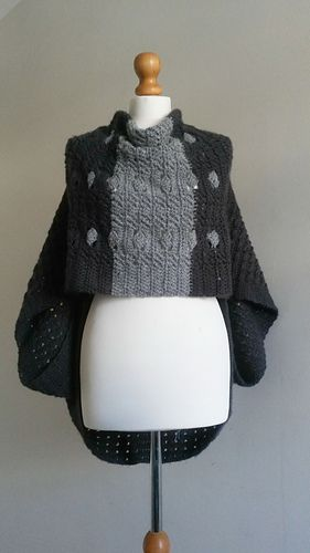 Diamanté Shrug pattern by @MrsUMakes. A shrug with a difference, #mymrsumakes