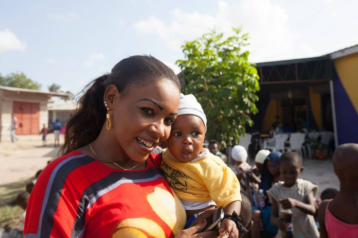 Mama Mkubwa Project - Helping Young Mothers