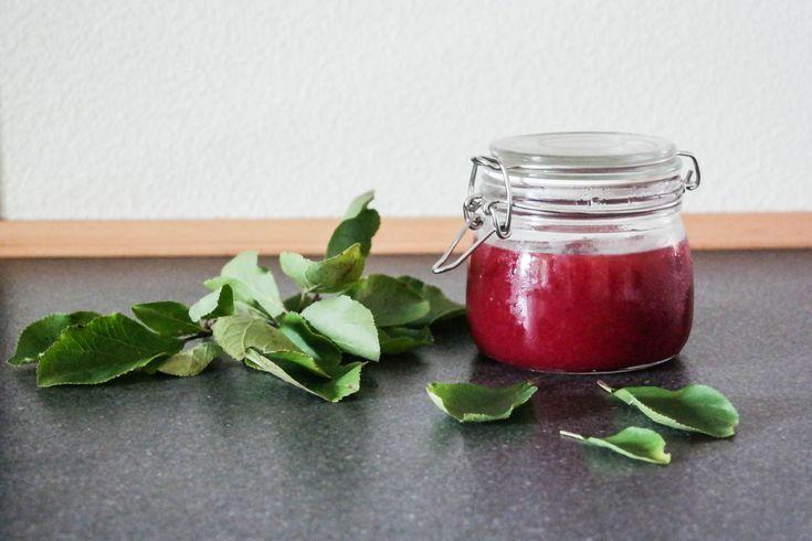 Opskrift på marmelade af sensommer blommer.
