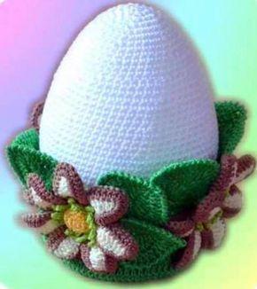 Очень красивый вариант вязаного пасхального яйца