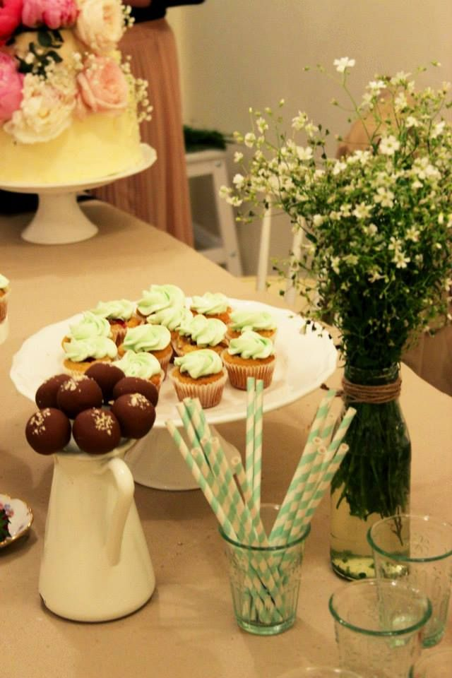 #Paloma #mimi #events #gangdesigngallery #hungary #budapest #flower #cake #muffin