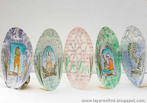 Layers of ink - Easter Egg Accordion Tutorial by Anna-Karin. Made for the Simon Says Stamp Monday Challenge Blog, using SSS New Beginnings dies and stamps, Tim Holtz stencils and Ranger inks and paints.