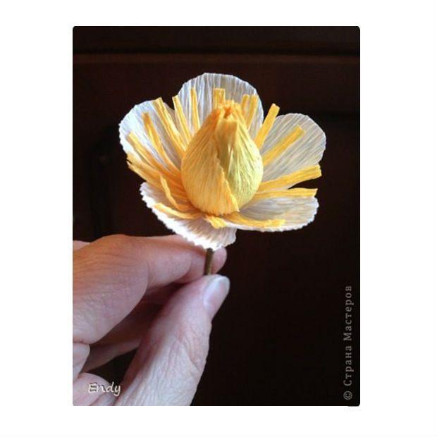 Flor de papel crepom com chocolates - Grzero