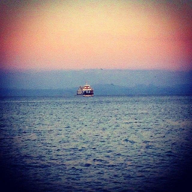 Bakakalırım giden geminin ardından...(Bozcaada İskele)