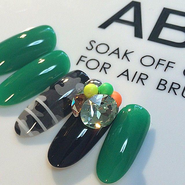 ABGEL @ab_gel  AB POLISH  colored pencil  カラードペンシルシリーズの 使用例  Co-09M  AB GREEN Co-12M  AB BLACK  #ABGEL #ABジェル #アビージェル #ABPOLISH  #ABポリッシュ #アビーポリッシュ  ビジュー